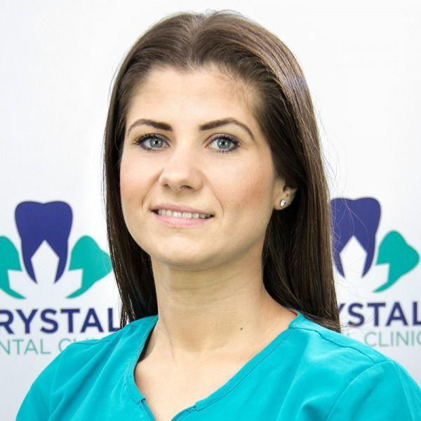 Dr. Claudia Anghel
